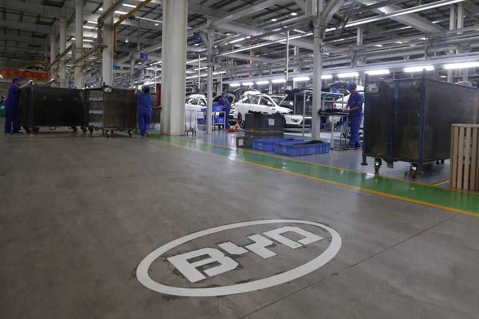 """تراجع أرباح """"بي.واي.دي"""" الصينية للسيارات 29% في الربع الأول"""