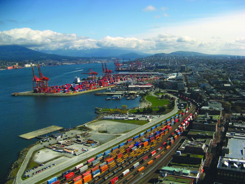 Cảng Vancouver là cảng lớn thứ hai Bắc Mỹ