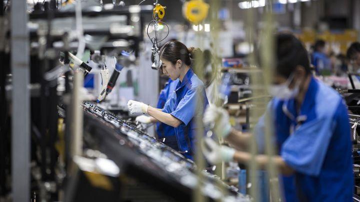 تراجع طلبيات الآلات اليابانية بنسبة 3.7% في مايو