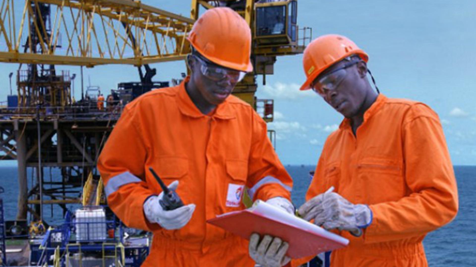 Total planea perforar nuevos pozos en alta mar en Angola para aumentar la producción de petróleo