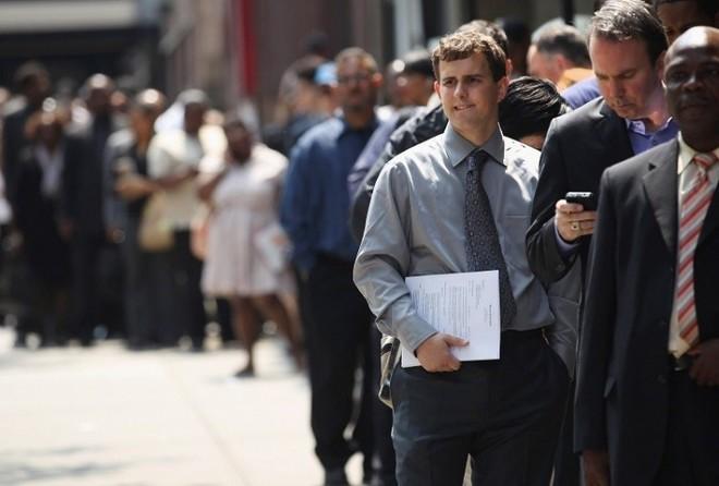 تراجع عدد طلبات إعانة البطالة في أمريكا مجددا خلال الأسبوع الماضي