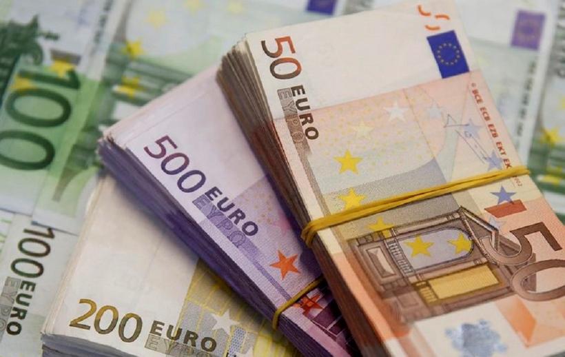 اليورو يهبط لأدنى مستوى منذ يونيو 2017 أمام الدولار    صحيفة الاقتصادية