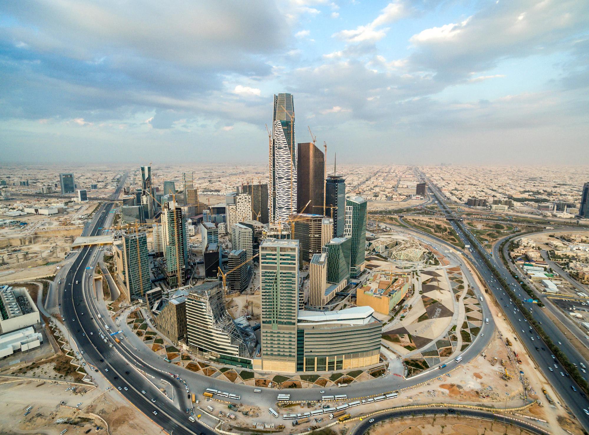 بلومبيرج: الاقتصاد السعودي بدأ مرحلة التعافي والخروج من ...