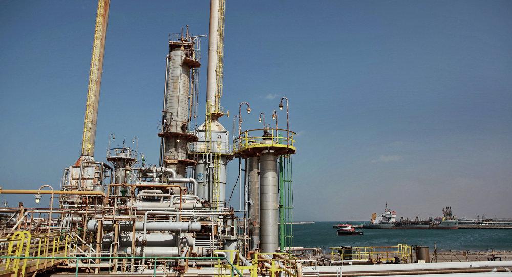 إيرادات ليبيا النفطية تهبط 11.2 % إلى 10.2 مليار دولار في النصف الأول