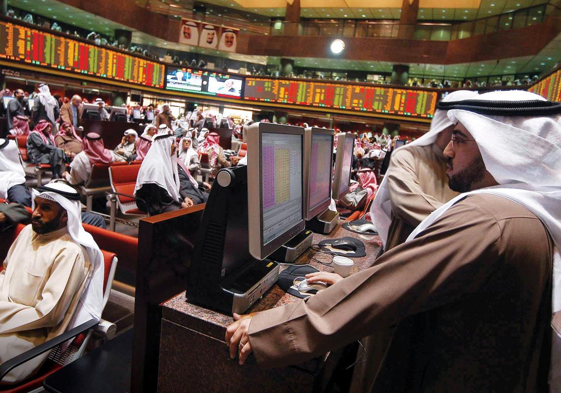 """تباين أداء الأسواق الخليجية مع ترقب نتائج الشركات .. وأسهم العقارات تصعد بـ """"دبي"""""""