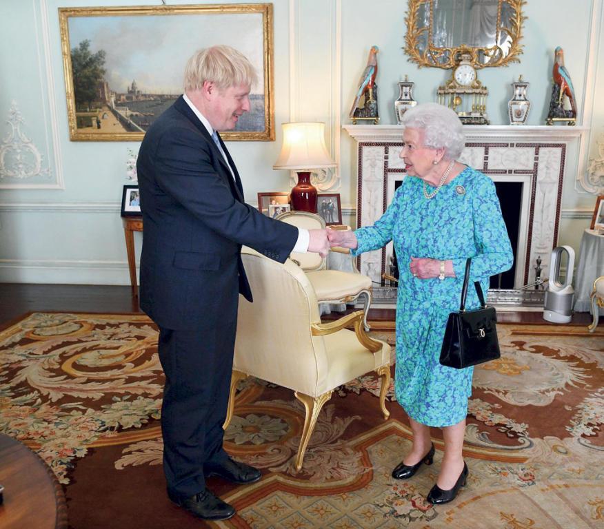 هل ارتكب جونسون  سابقة عظمى تضلل  الملكة إليزابيث؟   صحيفة الاقتصادية