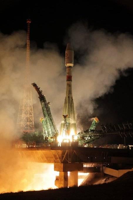 روسيا ترسل قمرا اصطناعيا بريطانيا 1294046-26599555.jpe