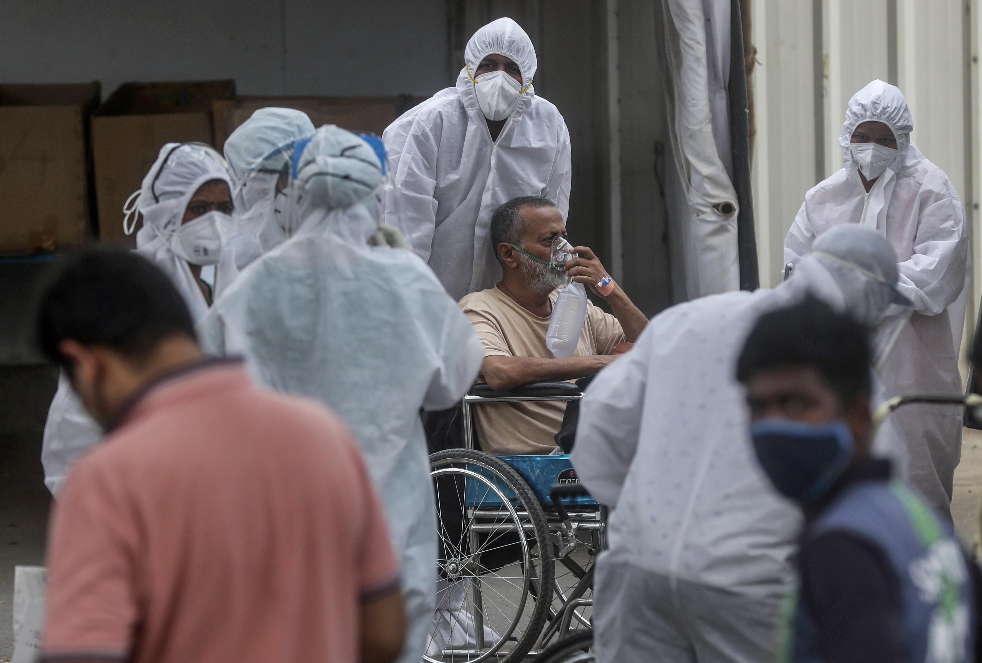 الهند: 329 ألف و942 إصابة جديدة بكورونا