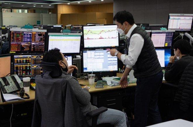 نزوح تدفقات أجنبية بنحو 10.5 مليار دولار خلال يوليو في أسواق أسهم الاقتصادات الناشئة