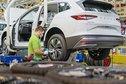 نقص أشباه الموصلات يعطل إنتاج 100 ألف سيارة لـ  سكودا  ويعلق العمل في مصنعين