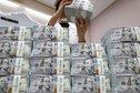 الديون العالمية .. 8 دول تجاوزت 150 % للناتج بينها 3 تفوق 250 %