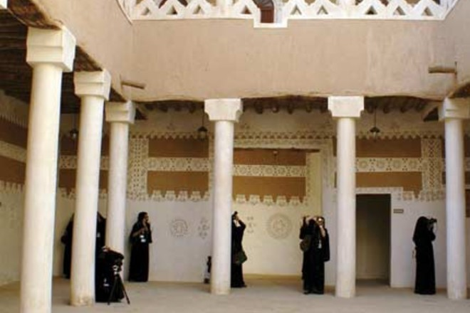 19 عدسة نسائية ترصد معالم الرياض التاريخية والتراثية