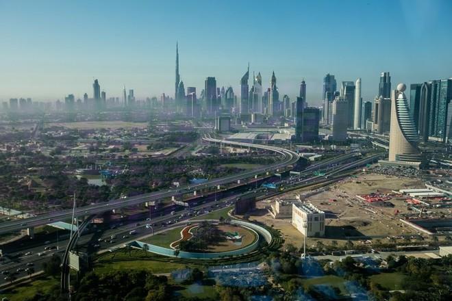 مطورو العقارات في دبي يتسابقون لجذب المشترين