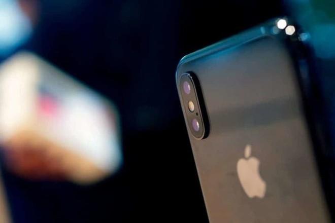 """""""أبل"""" تستحوذ على شركة ناشئة لتحسين جودة صور الإي فون"""