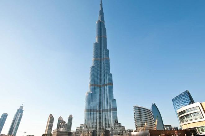 """""""إعمار"""" تبيع منصة المراقبة في برج خليفة لجلب مليار دولار دعما لقطاع العقار"""