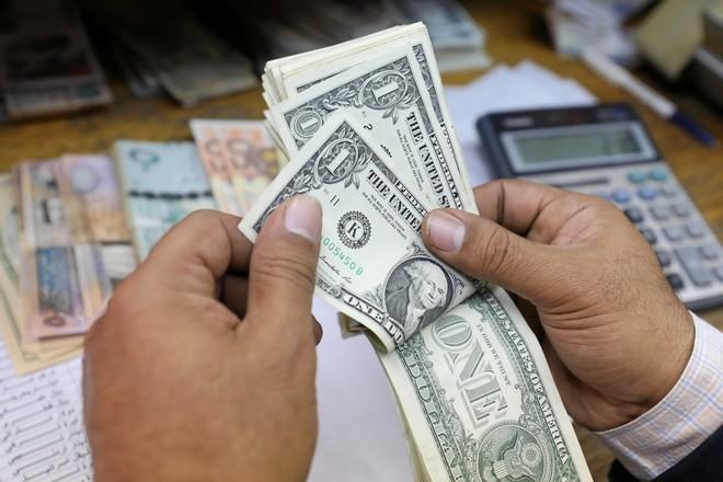 ارتفاع تحويلات المصريين بالخارج إلى ملياري دولار في نوفمبر 2019