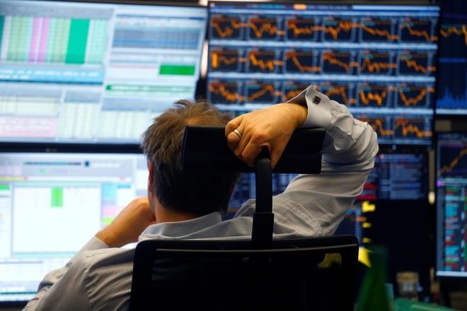 أسهم أوروبا تهوي لقاع 2012 وسط هبوط حاد لشركات السفر والترفيه