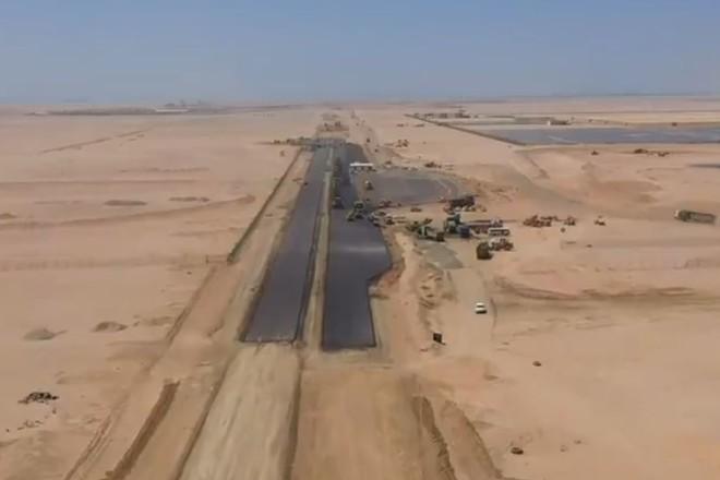 """يصل طولها إلى 80 كم .. """"البحر الأحمر"""" ينجز أول كيلو متر من شبكة طرقه"""