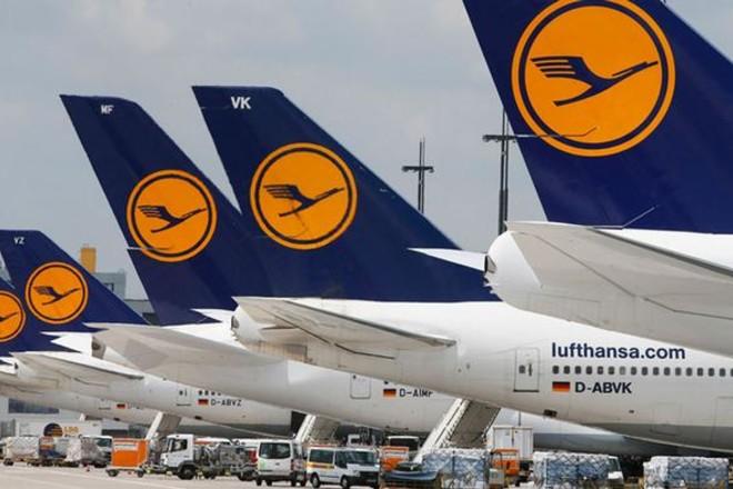 """""""لوفتهانزا"""" تسجل خسائر تشغيل بقيمة 1.26 مليار يورو في الربع الثالث"""