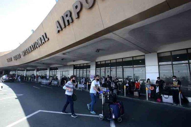 الفلبين تمنع دخول الأجانب من أمريكا لها اعتبارا من الأحد