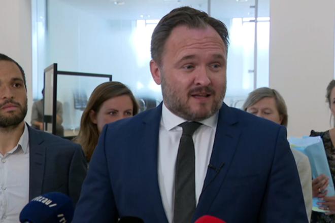 وزير المناخ الدنماركي يساعد عمال الفحم في العثور على وظائف جديدة
