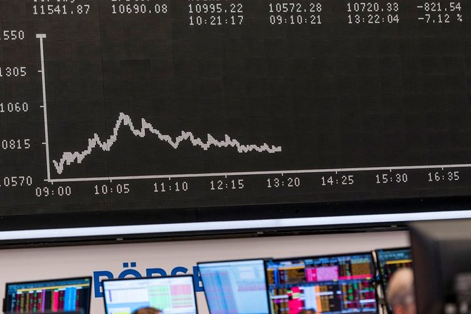 ارتفاع العوائد وتوقعات التضخم تبطل مكاسب الأسهم الأوروبية