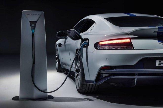 """""""أستون مارتن"""" البريطانية تتعهد بتصنيع سياراتها الكهربائية في إنجلترا  وويلز اعتبارا من 2025"""