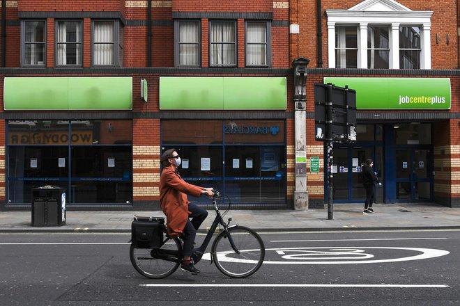 تراجع غير متوقع لمعدل البطالة في بريطانيا خلال الربع الأول إلى 4.8%