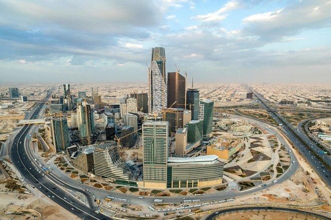 القطاع الخاص غير النفطي في السعودية يسجل أعلى مستوى له في 3 أشهر