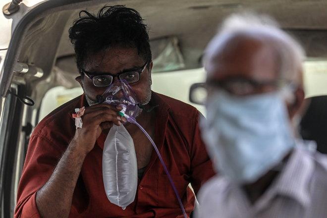 وزير النفط الهندي يشكر السعودية والإمارات وقطر على عروض الأكسجين الطبي