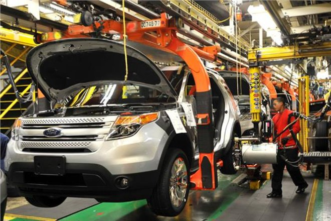 تسارع الإنتاج الصناعي الأمريكي في مايو بدعم من قطاع السيارات
