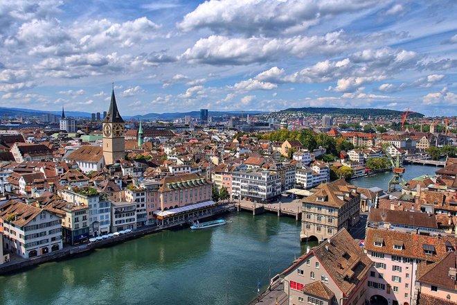 سويسرا تتوقع نمو الناتج المحلي بنسبة 3.6%