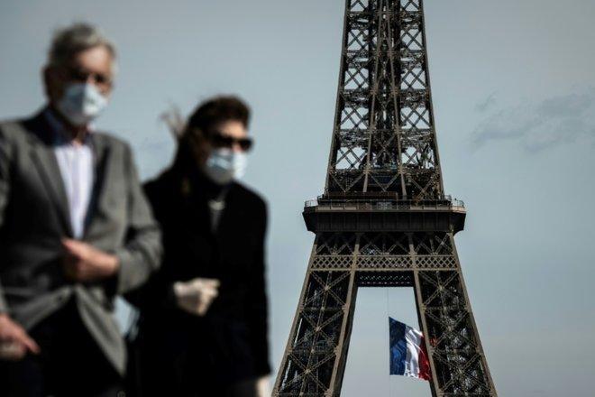 قلق ينتاب فرنسا.. ارتفاع غير مسبوق للإصابات اليومية بتسجيل 18 ألف حالة