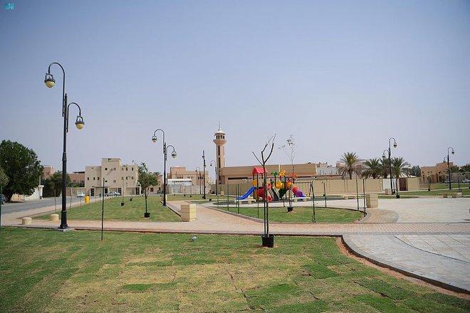 عنيزة: إنجاز 7 حدائق تضم أكثر من 14 ألف شجرة