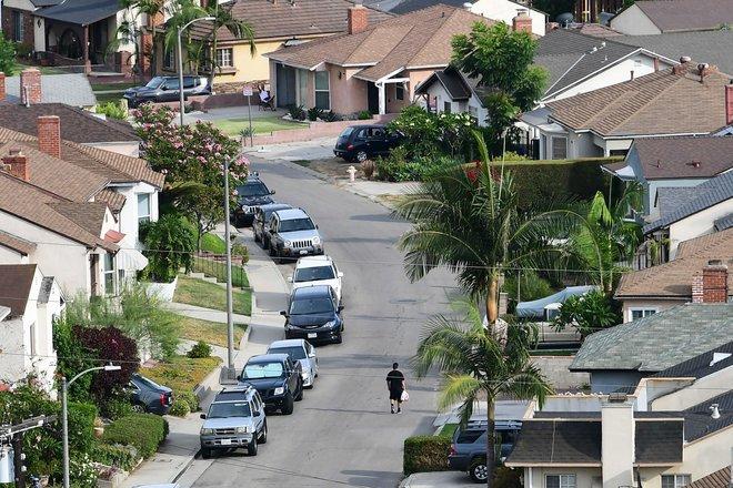 ملايين الأمريكيين مهددون بالطرد من منازلهم وسط تفشي المتحورة دلتا