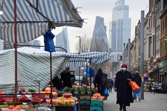 التضخم البريطاني يتباطأ بوتيرة أشد من المتوقع .. بلغ 2% في يوليو