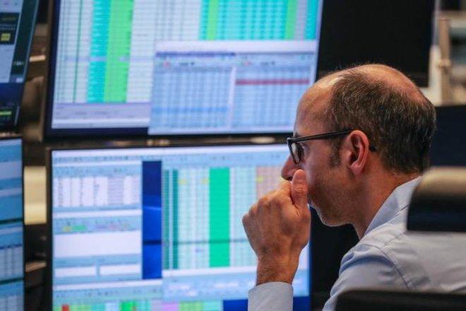 تراجع الأسهم الأوروبية مع انخفاض قطاعي المرافق والسلع الفاخرة