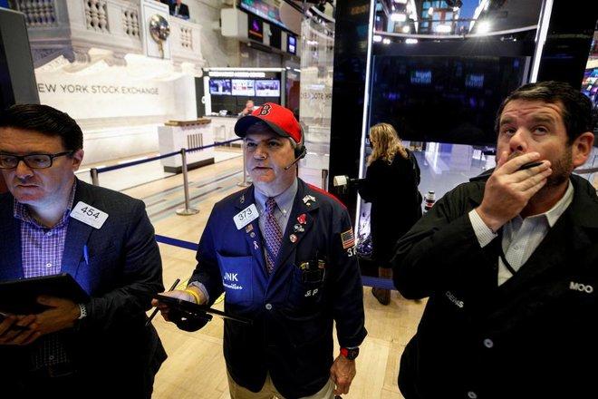 انخفاض الأسهم الأمريكية .. ارتفاع أسعار السلع الأولية يزيد مخاوف التضخم