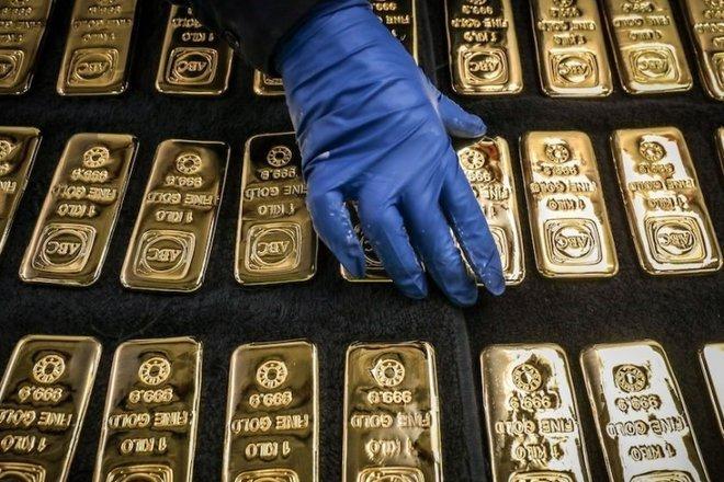 تراجع أسعار الذهب.. خسر 1.5% ليهبط إلى 1769.60 دولارا للأوقية
