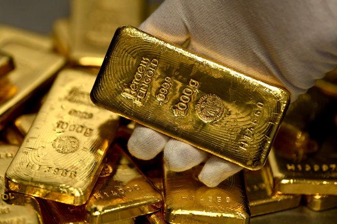 الذهب يتراجع مع ارتفاع عوائد السندات وصعود الدولار