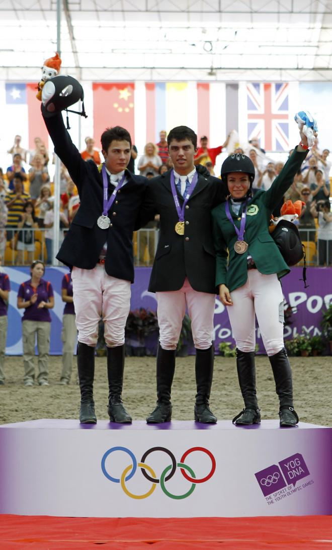 الفارسة السعودية دلما محسن أول رياضية خليجية تحرز ميدالية أولمبية صحيفة الاقتصادية