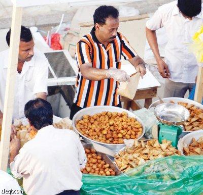 السمبوسة .. أكلة هندية جلبها الحضارم من مومباي إلى الحجاز قبل 100 عام