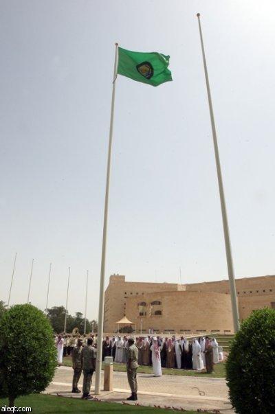 دول الخليج ترفع علم مجلس التعاون على منافذها الحدودية
