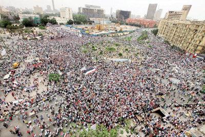 مصر: مظاهرات في الحسين والأزهر احتجاجًا على المظاهرات!