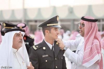 تخريج ضباط جامعيين من كلية الملك خالد العسكرية صحيفة الاقتصادية