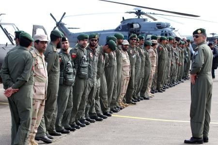 قصة مصورة : مناورات للقوات الخاصة السعودية والفرنسية في جزيرة كورسيكا