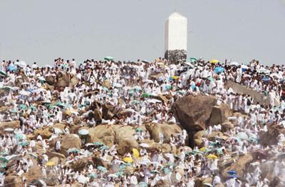 حج جبل الرحمة من أشهر جبال مكة المكرمة التاريخية والدينية