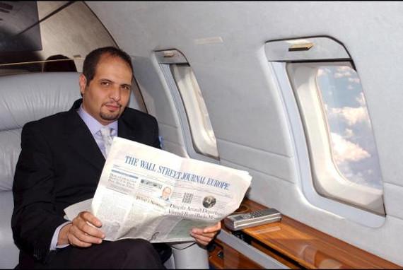 الجزائر تتسلم من بريطانيا رجل الاعمال السابق عبد المؤمن خليفة