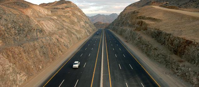 11 كيلو متبقية على إكمال طريق القصيم-مكة.. وبدء التجهيز لإقامة محطات وقود