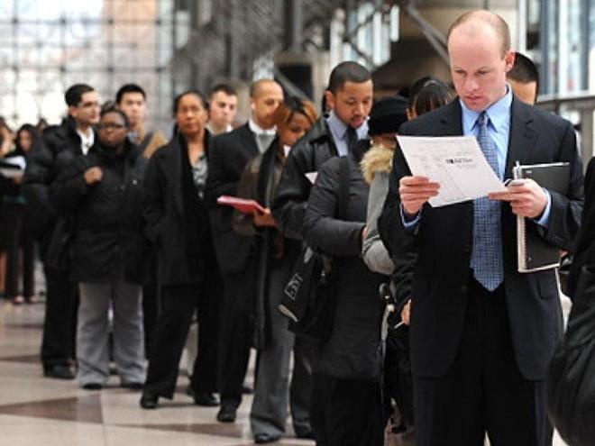 ارتفاع غير متوقع في عدد طلبات إعانة البطالة في أمريكا خلال الأسبوع الماضي